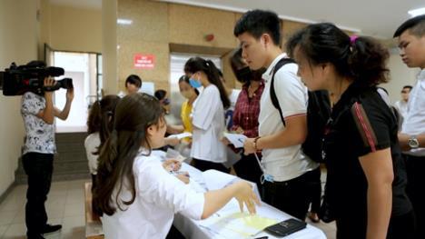Nguyên nhân nào khiến nhiều học sinh lớp 12 đắn đo khi đăng kí nguyện vọng xét tuyển Cao Đẳng - Đại Học? - ảnh 3