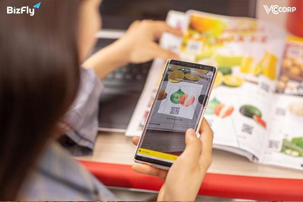 Kinh doanh online có phải là lối đi an toàn cho doanh nghiệp Việt trước đại hồng thủy Covid sắp tới? - Ảnh 1.
