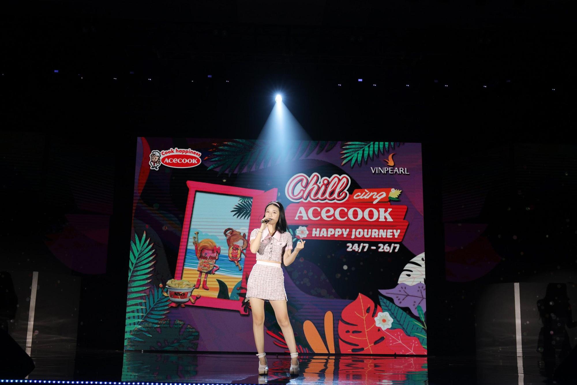 Loạt ảnh mới nhất xinh lung linh của Đông Nhi, Noo Phước Thịnh khiến khán giả trầm trồ trong đêm Gala Secret Concert – Chill Cùng Acecook - Ảnh 5.