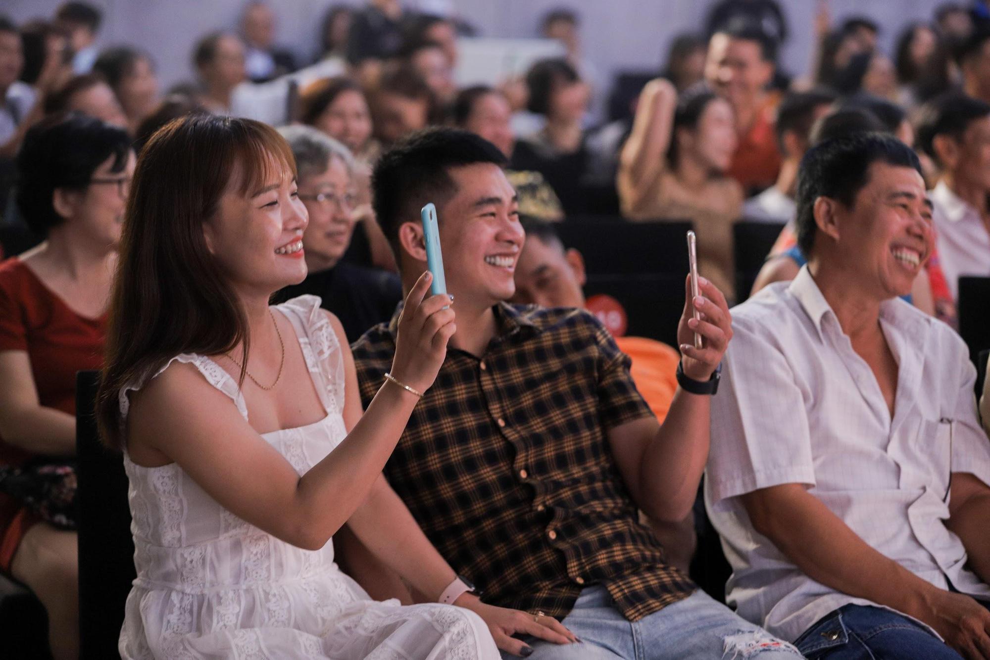 Loạt ảnh mới nhất xinh lung linh của Đông Nhi, Noo Phước Thịnh khiến khán giả trầm trồ trong đêm Gala Secret Concert – Chill Cùng Acecook - Ảnh 10.