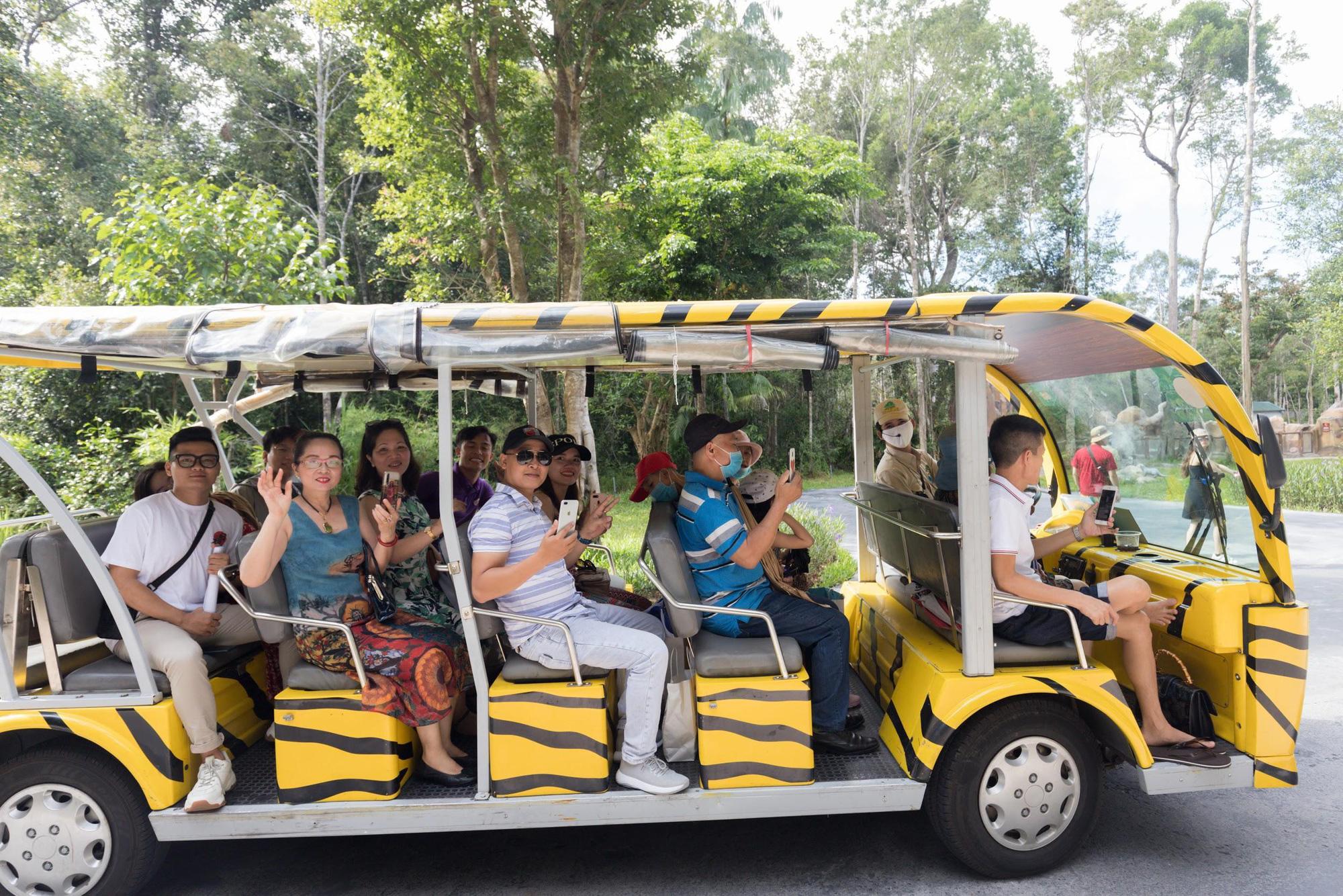 """Bộ ảnh """"chill"""" hết nấc của những người may mắn nhất được nhãn hàng bao trọn gói chuyến du lịch nghỉ dưỡng chanh sả tại resort 5 sao Vinpearl Phú Quốc - Ảnh 3."""