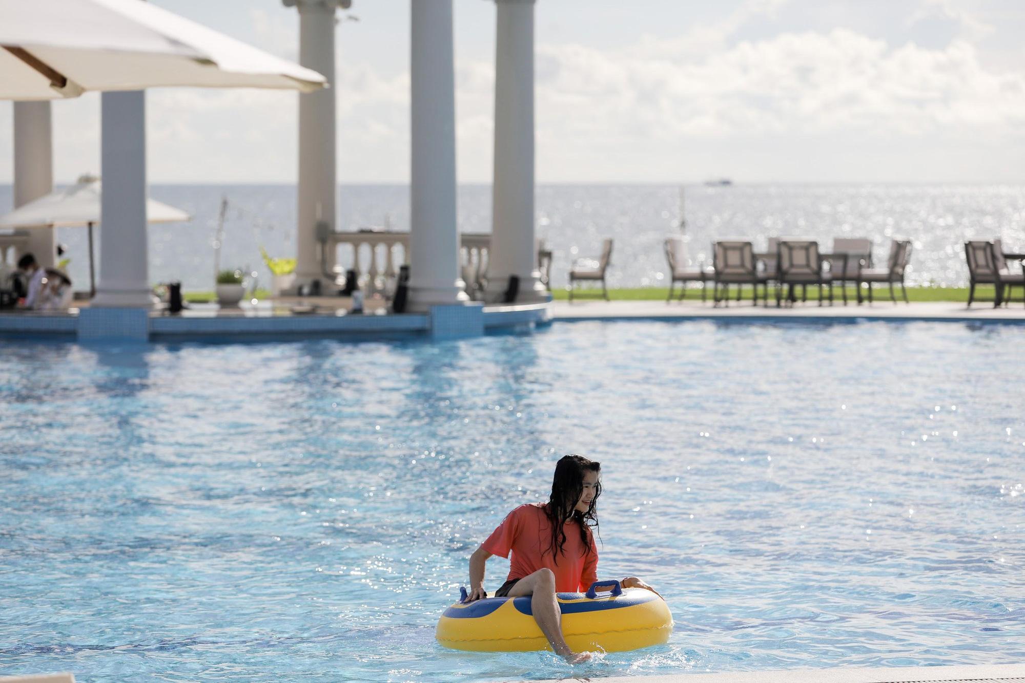 """Bộ ảnh """"chill"""" hết nấc của những người may mắn nhất được nhãn hàng bao trọn gói chuyến du lịch nghỉ dưỡng chanh sả tại resort 5 sao Vinpearl Phú Quốc - Ảnh 8."""