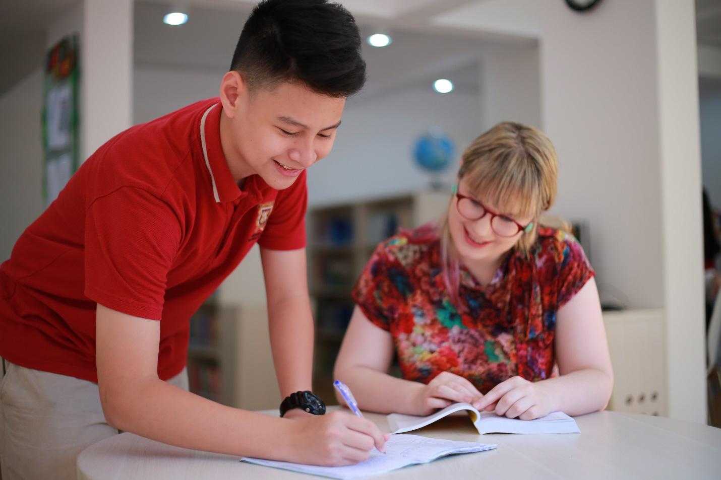 Chương trình quốc tế toàn phần Cambridge tại VAS và những điểm khác biệt - Ảnh 2.