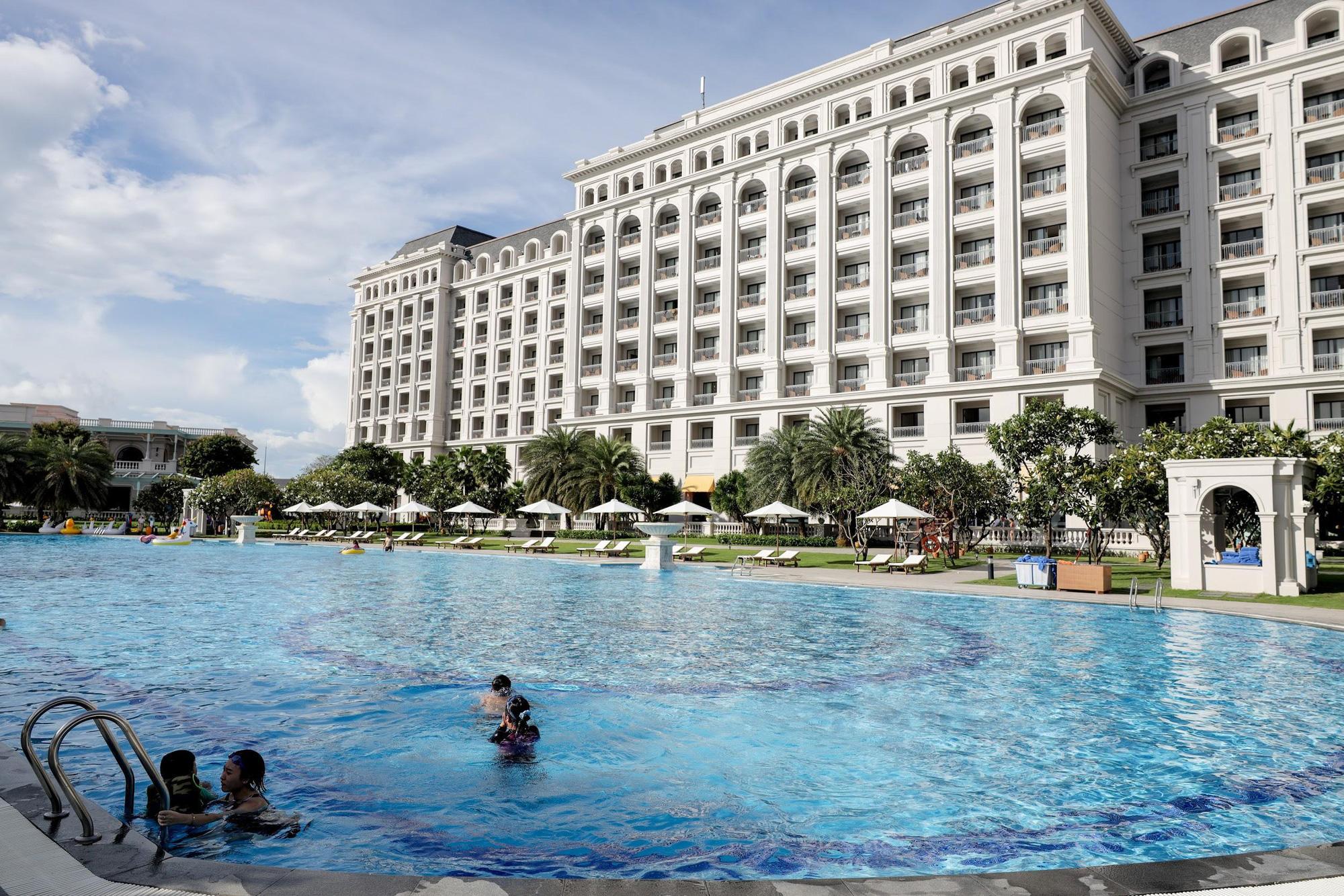 """Bộ ảnh """"chill"""" hết nấc của những người may mắn nhất được nhãn hàng bao trọn gói chuyến du lịch nghỉ dưỡng chanh sả tại resort 5 sao Vinpearl Phú Quốc - Ảnh 14."""