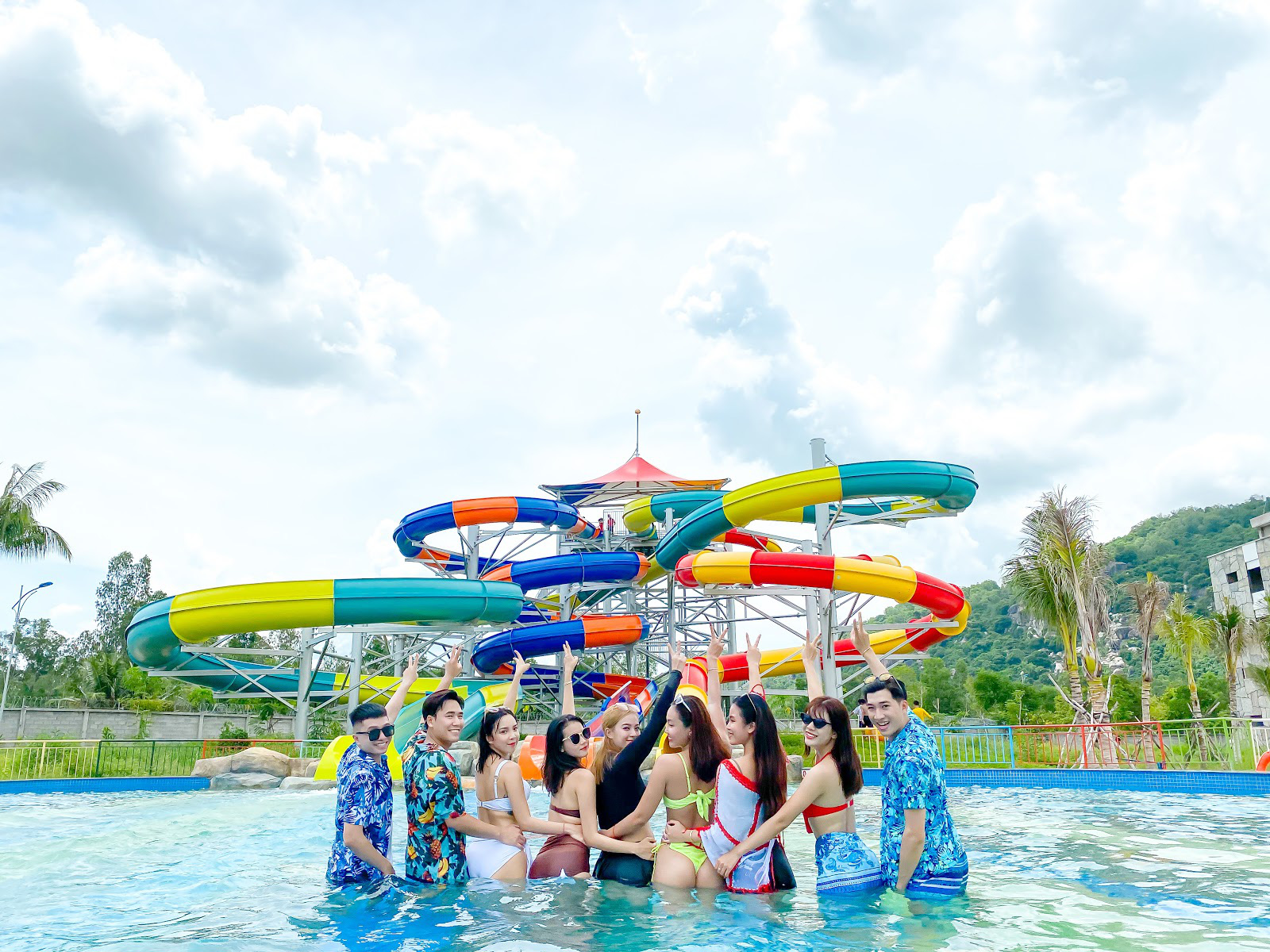 Điểm đến giải nhiệt mùa hè không thể bỏ qua của giới trẻ tại công viên nước Thanh Long Water Park An Giang - Ảnh 3.