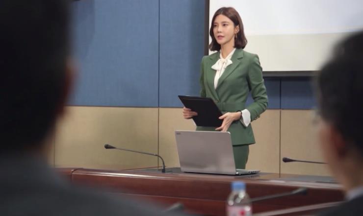 """Ngoài """"Thế giới hôn nhân"""", phim Hàn không thiếu những """"bà cả"""" U50 đứng lên báo thù vì bi kịch cuộc đời - Ảnh 5."""