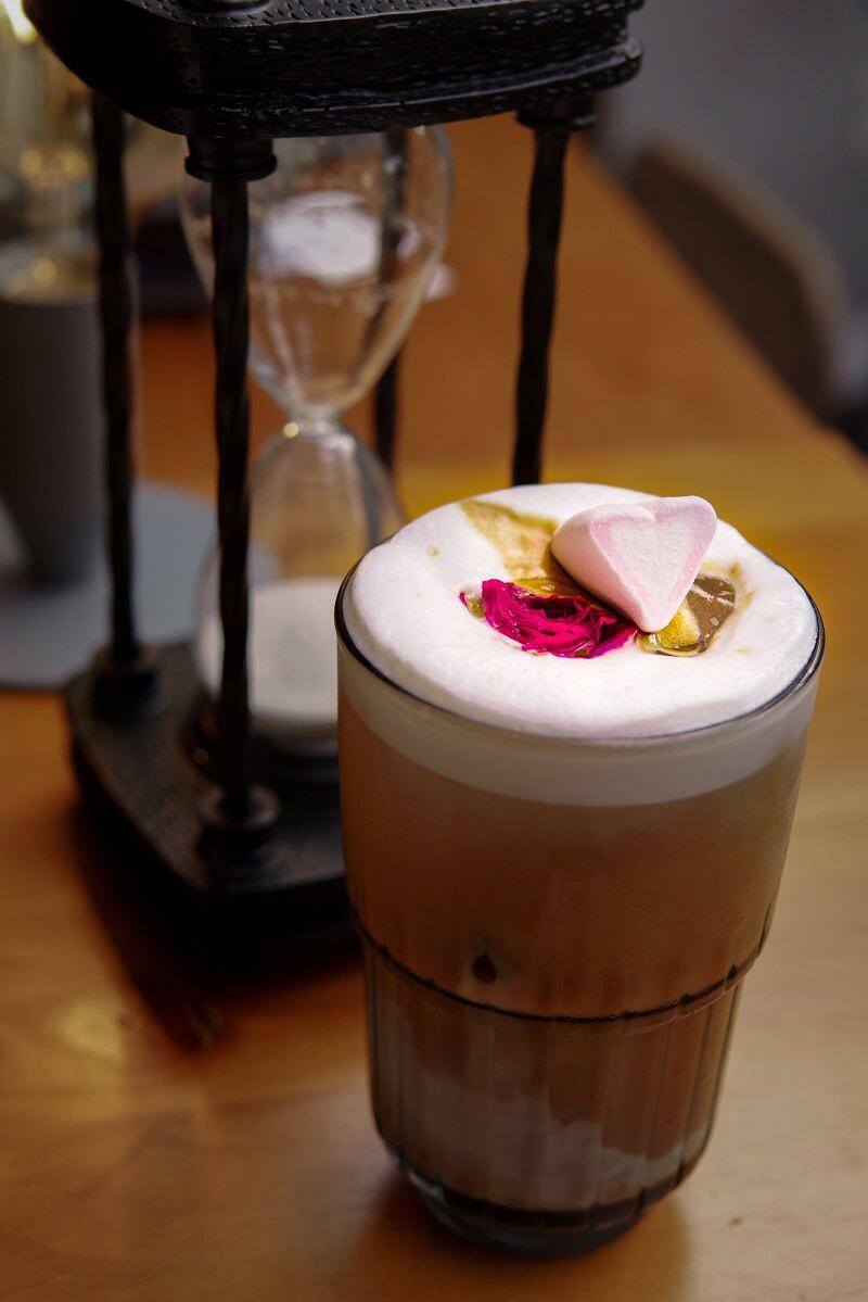 Mục sở thị quán cafe mang đậm phong cách Úc mới toanh ngay giữa lòng Sài Gòn - Ảnh 6.