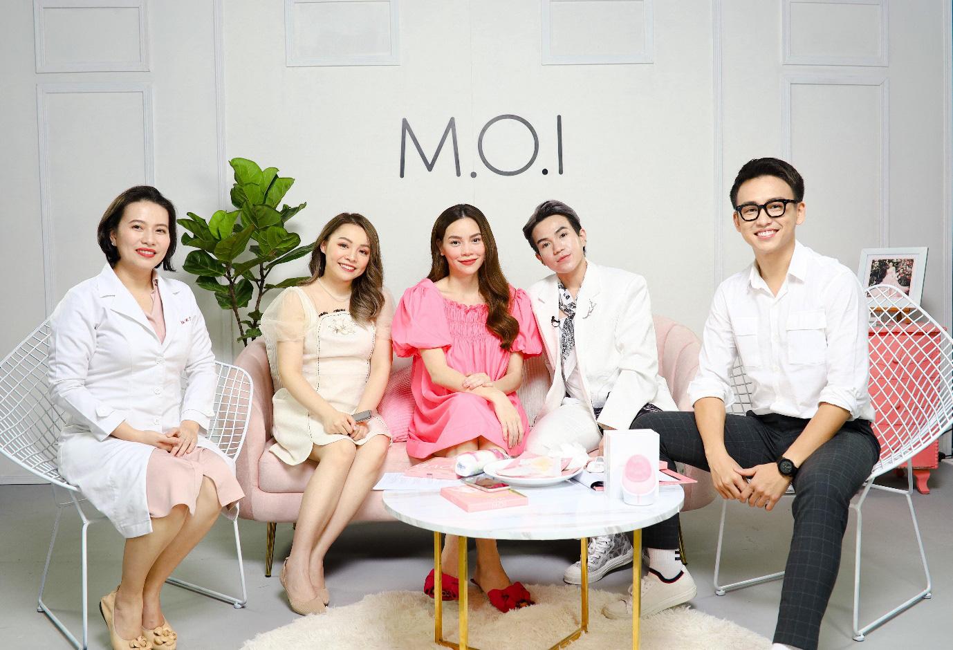 """Chơi lớn như Hà Hồ, dám mời các beauty blogger từng """"chê"""" mình tới """"soi"""" mặt nạ gạo cải tiến - Ảnh 2."""