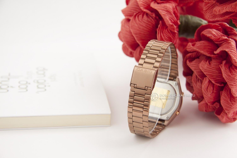 """""""Hot trend"""" đồng hồ Casio B640WC-5ADF điện tử vàng hồng - Ảnh 3."""