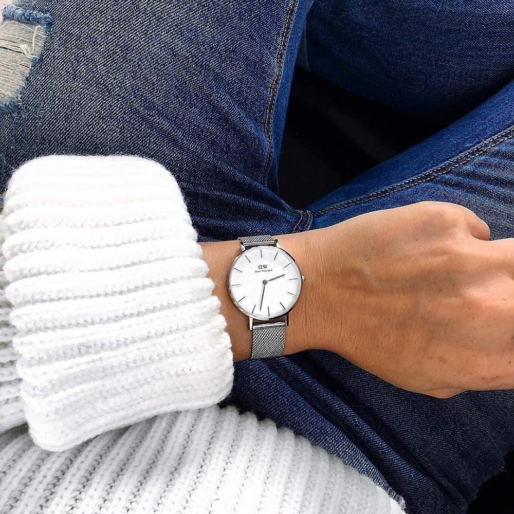 10 mẫu đồng hồ DW giá rẻ, chính hãng đang hot xình xịch - Ảnh 1.