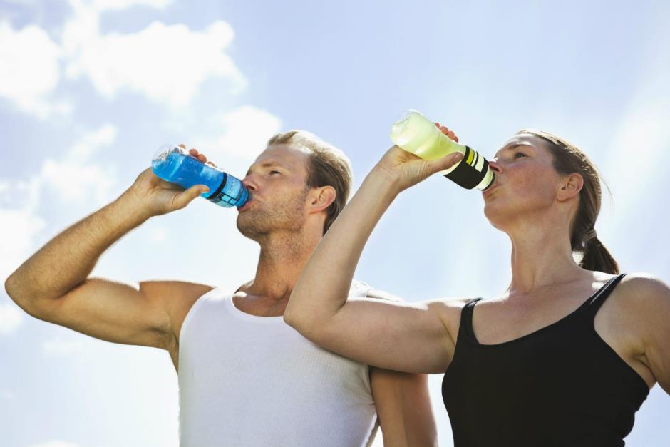 Cẩm nang thiết yếu về cách sử dụng nước tăng lực hiệu quả - Ảnh 1.