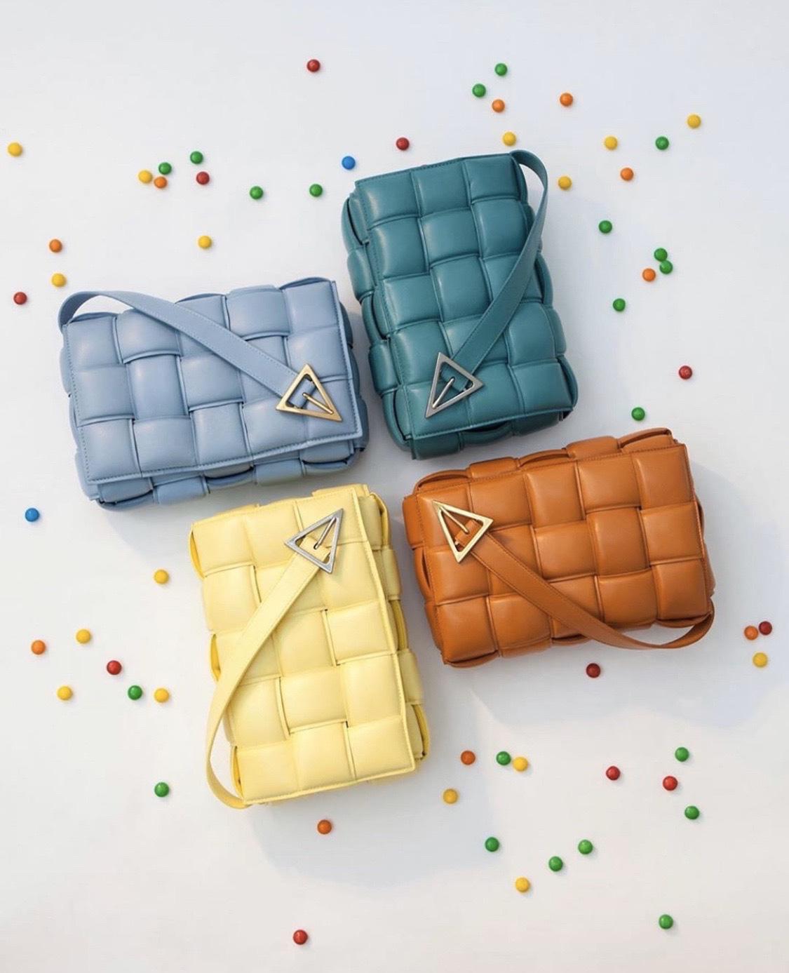 """Tạm biệt """"It Bag"""", giờ là thời của những chiếc túi Bottega Veneta không logo - Ảnh 2."""