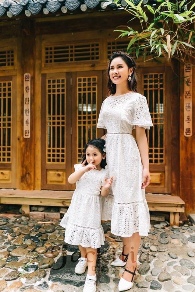Khơi nguồn cảm hứng mặc đồ đôi cho mẹ và bé - Ảnh 4.