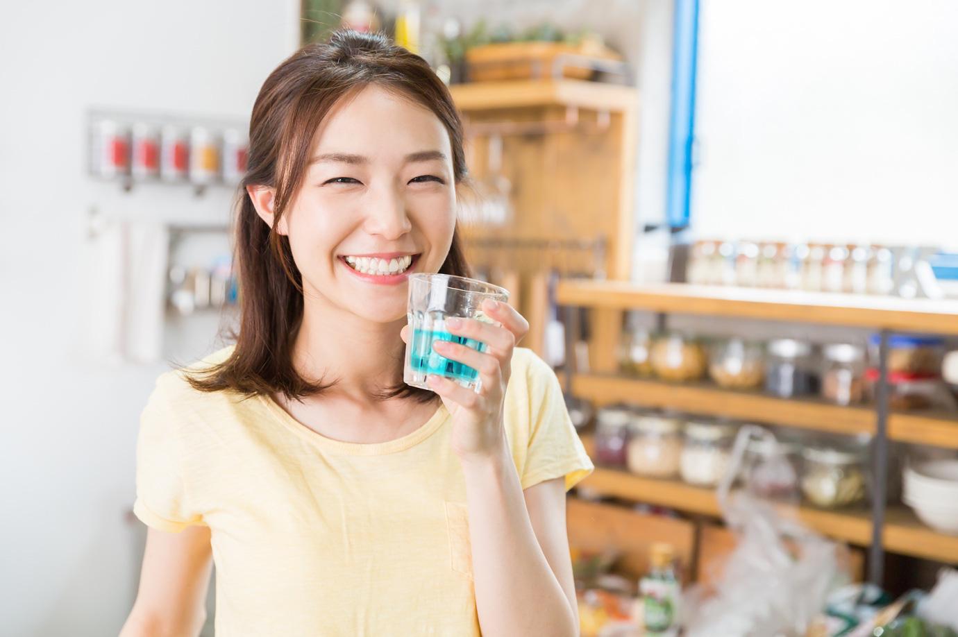 Vì sao nước súc miệng diệt khuẩn là sản phẩm quan trọng chẳng kém gì nước rửa tay, khẩu trang? - Ảnh 4.