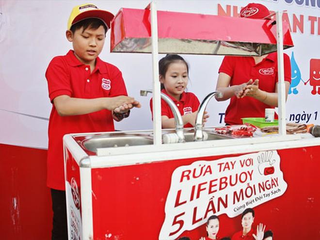 25 năm, hàng trăm campaign lớn nhỏ, Unilever ở lại trong trái tim người Việt với những chiến dịch truyền cảm hứng này - Ảnh 3.