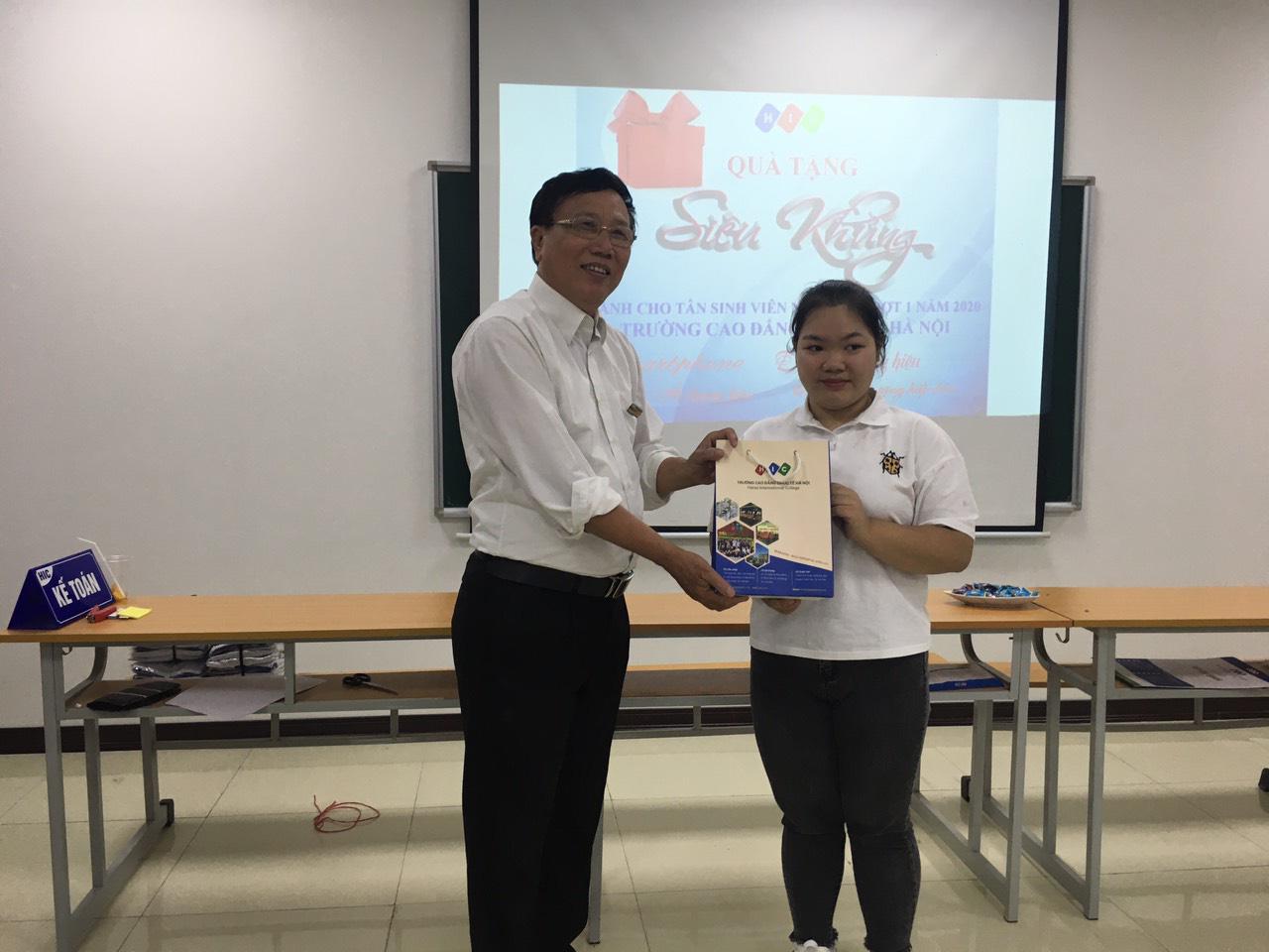Trường Cao đẳng Quốc tế Hà Nội dành gói học bổng đặc biệt cho du học sinh bị ảnh hưởng bởi Covid-19 - Ảnh 2.