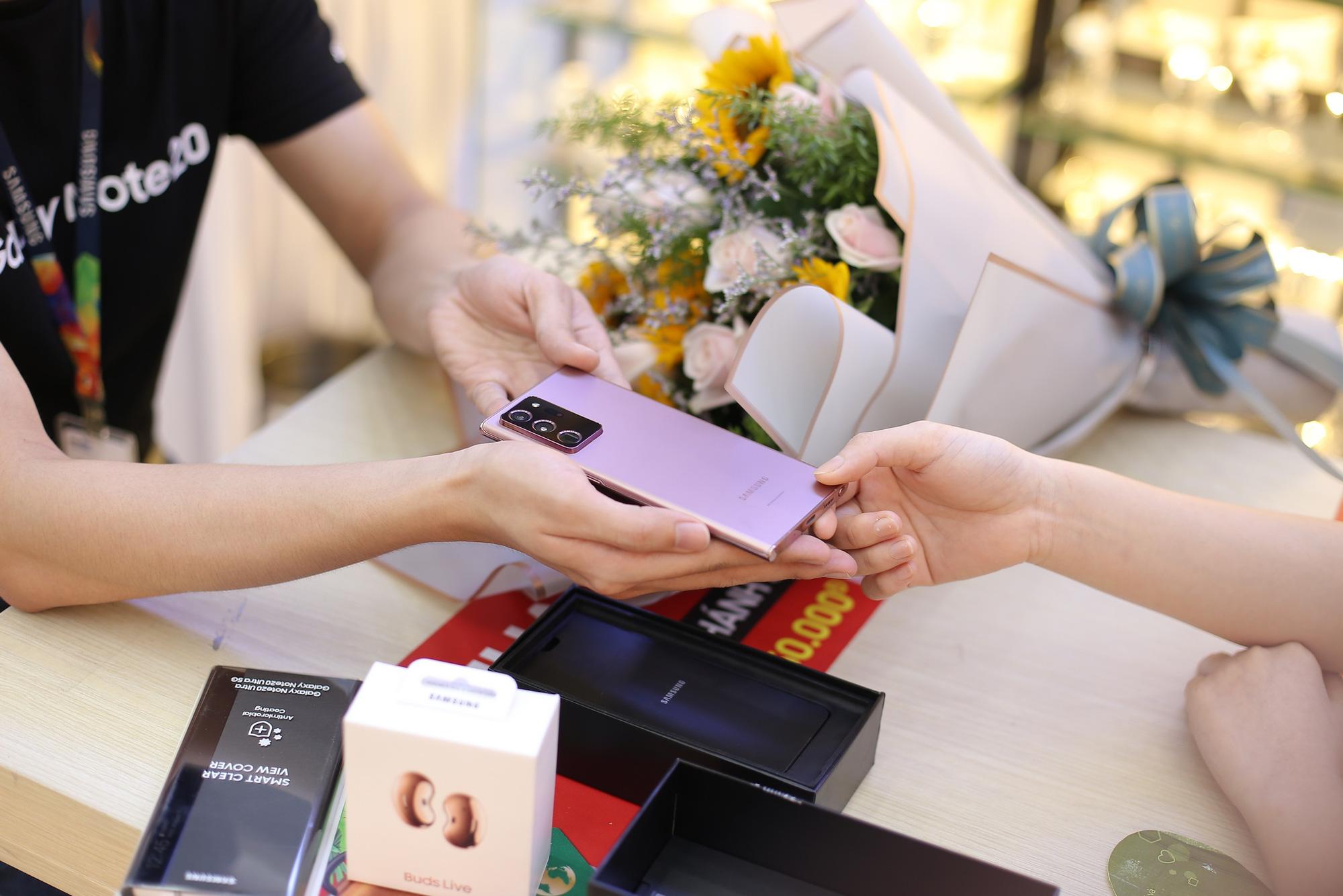 Khách hàng của FPT Shop nghĩ gì khi mạnh tay chi hơn 30 triệu để sở hữu Galaxy Note20? - Ảnh 4.