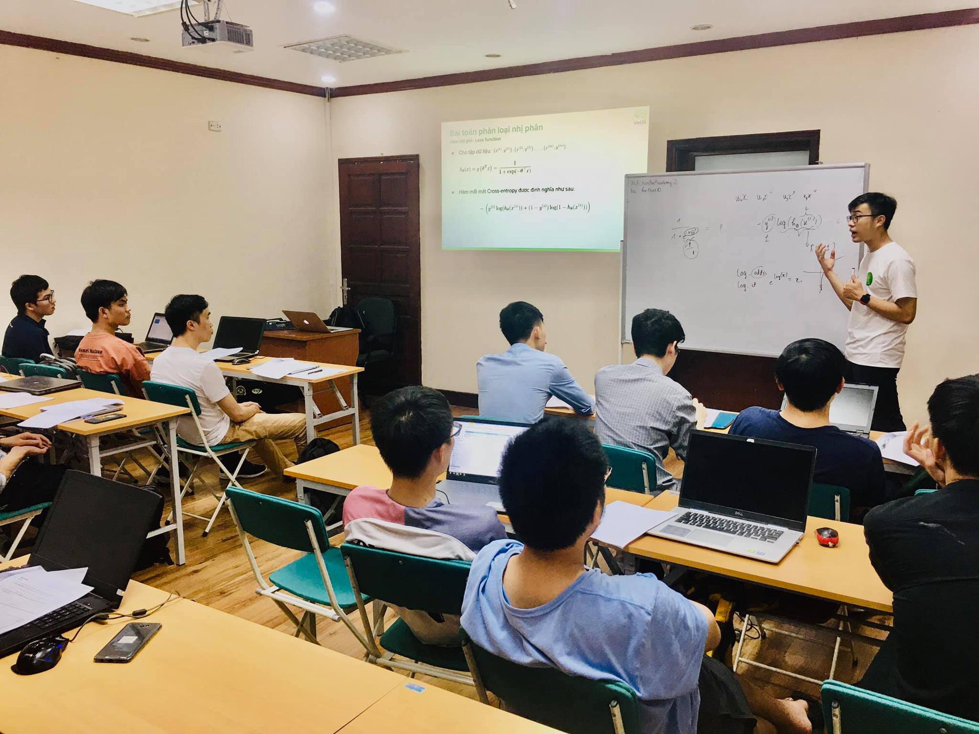 FPT Software hỗ trợ đào tạo nhân lực AI, Machine Learning tại Việt Nam - Ảnh 2.