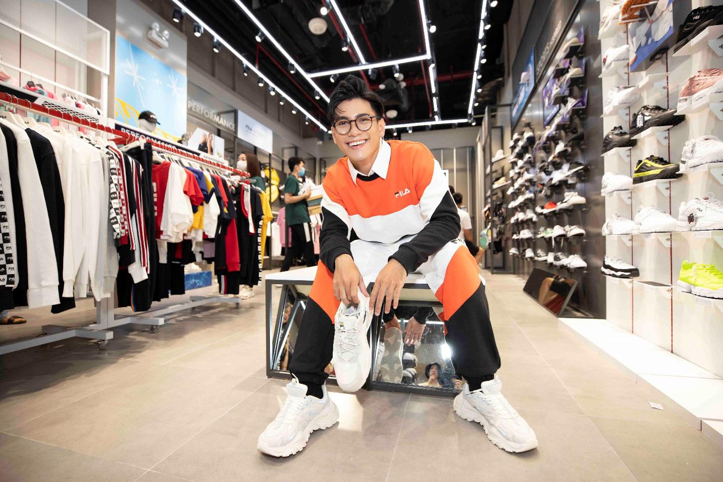 Gil Lê và dàn fashionista Sài thành tụ hội trong ngày FILA ra mắt cửa hàng đầu tiên tại Việt Nam - Ảnh 7.