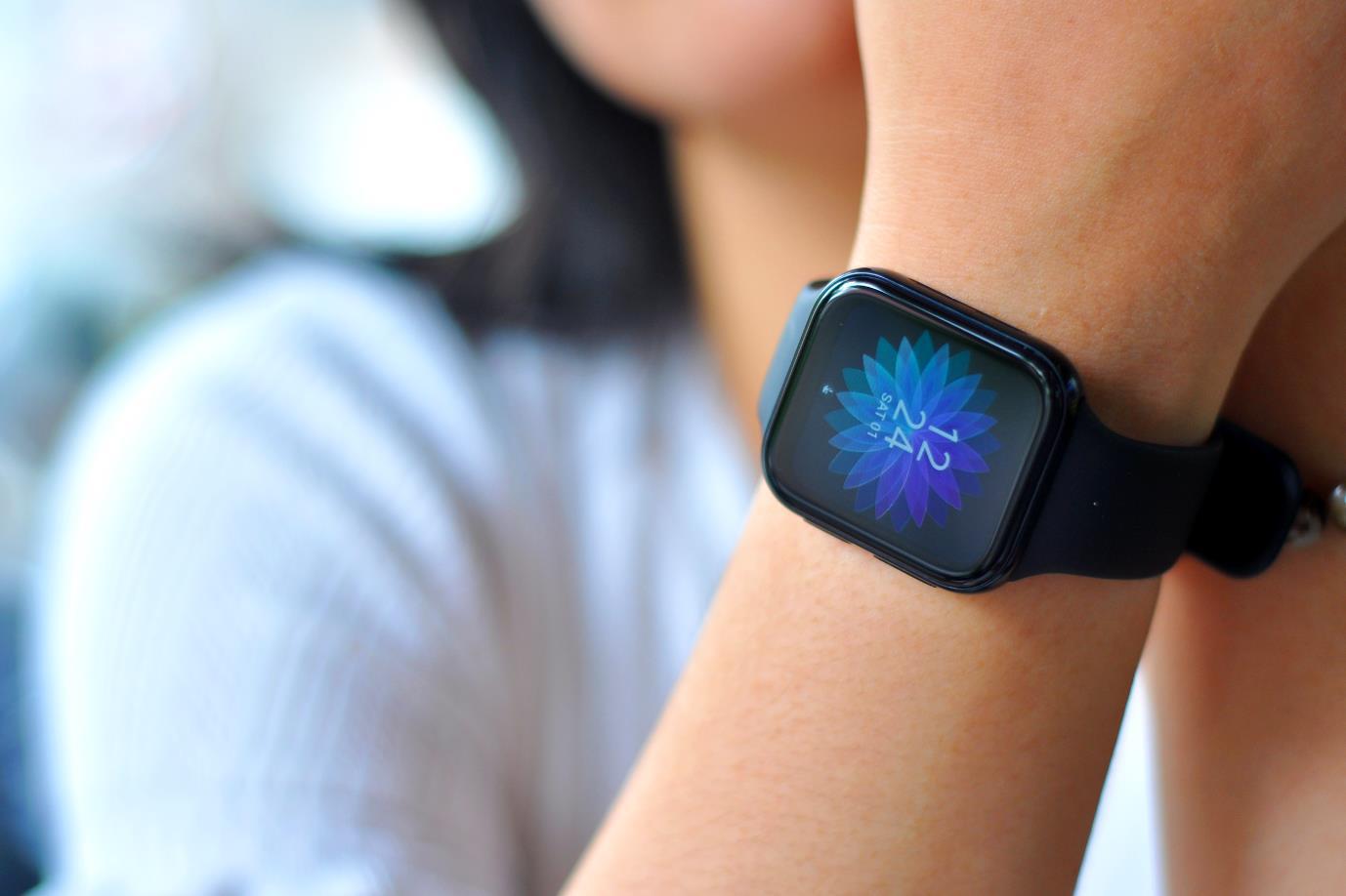 Thiết kế tinh tế, tính năng ấn tượng: OPPO Watch mang đến nhiều lợi ích hơn bạn nghĩ! - Ảnh 1.