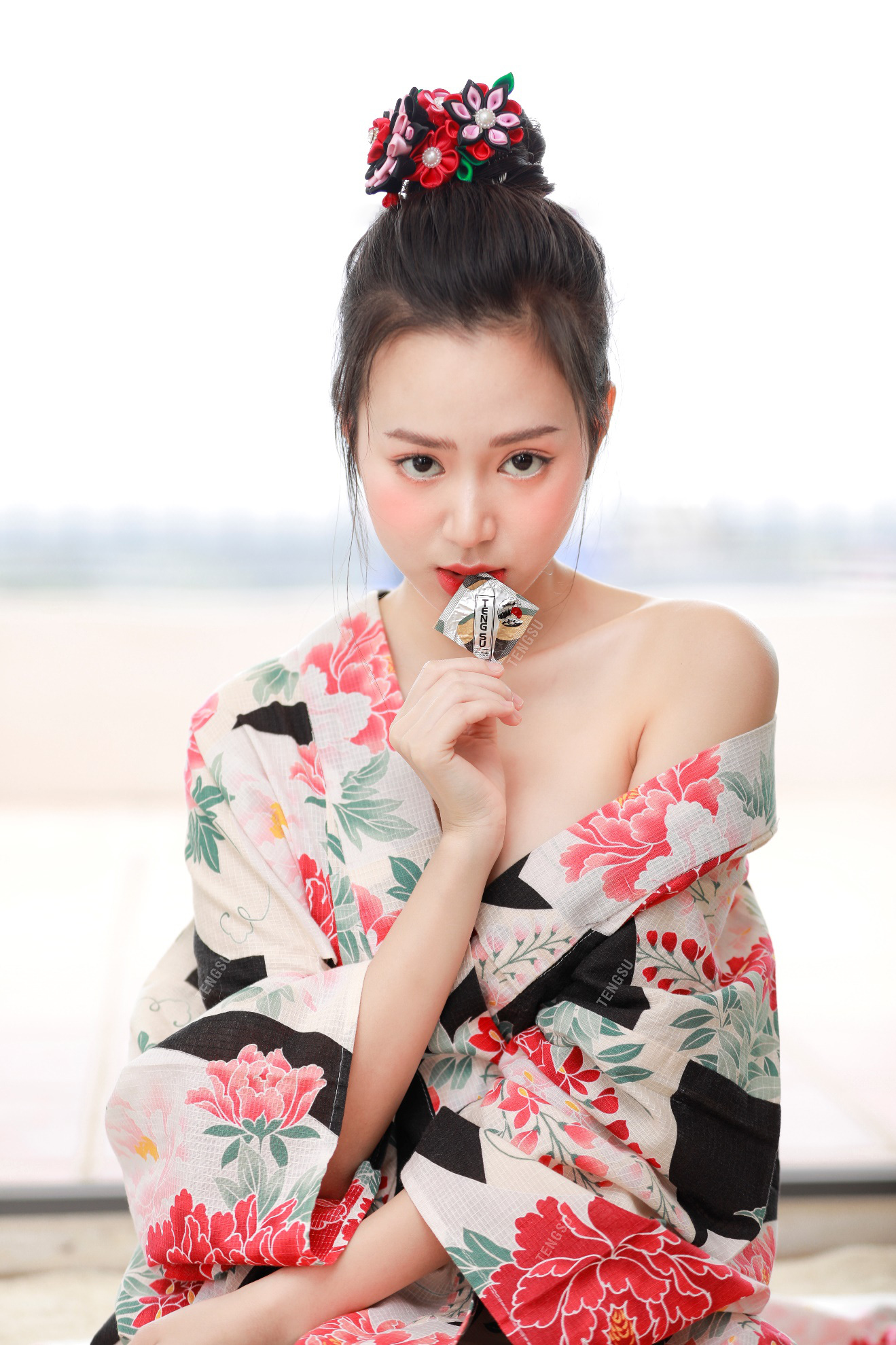 Bóng hồng streamer sinh năm 1999 lần đầu mặc kimono nóng bỏng, ai nấy đều ngỡ ngàng vì quá xinh - Ảnh 7.