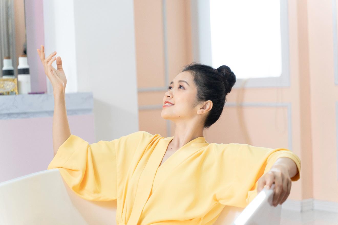 Suni Hạ Linh và Phạm Đình Thái Ngân lần đầu kết hợp trong MV mới - Ảnh 1.