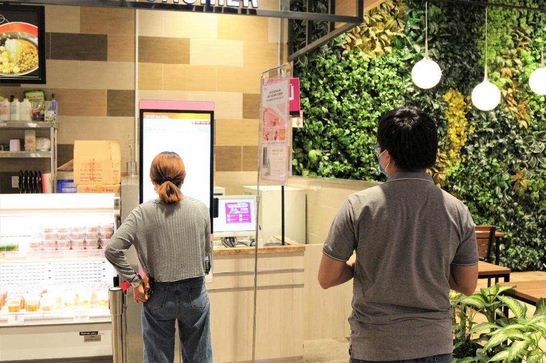 """Tín đồ ăn uống khám phá trải nghiệm """"Chọn món tự động với một chạm"""" tại AEON - Ảnh 4."""