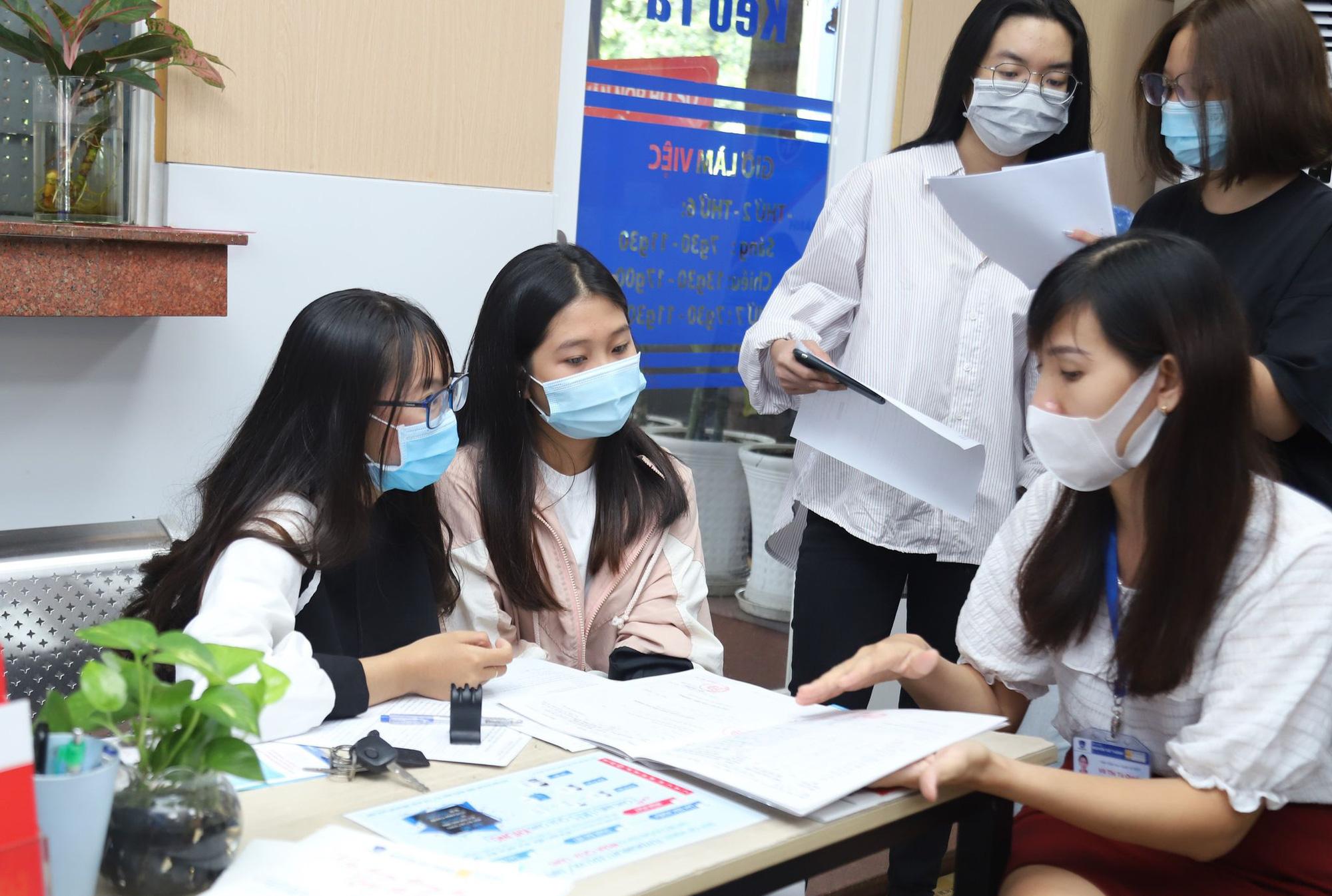 Nhận ngay học bổng 5 triệu đồng khi nhập học trước 14/09 tại Trường Đại học Nguyễn Tất Thành - Ảnh 1.