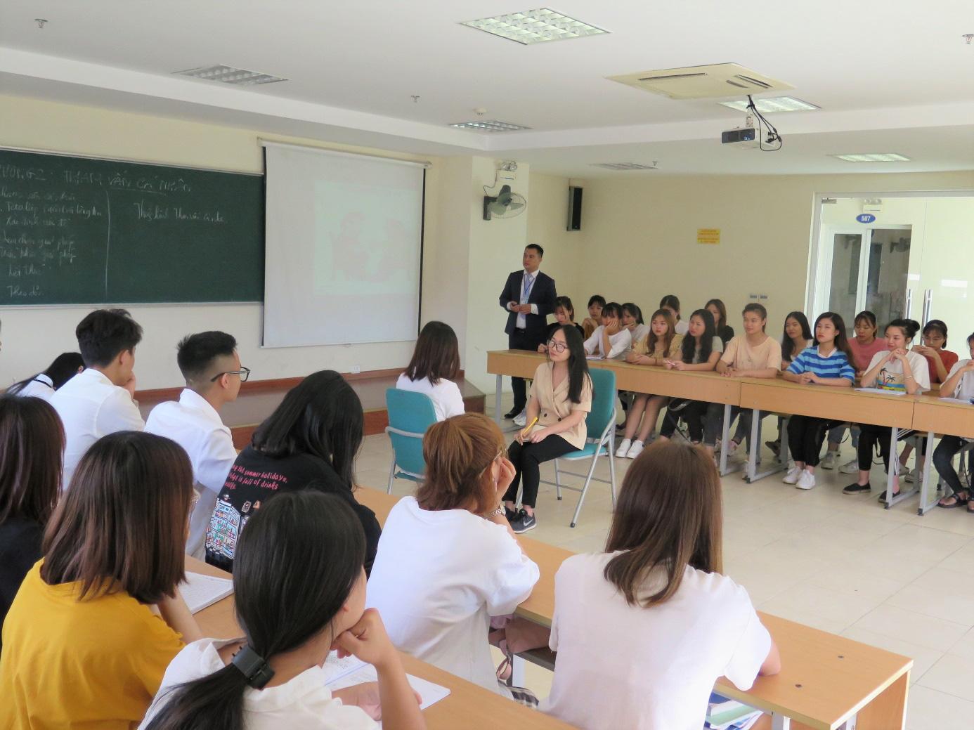Công tác xã hội - Ngành học cho những người trẻ năng động và giàu lòng yêu thương - Ảnh 1.