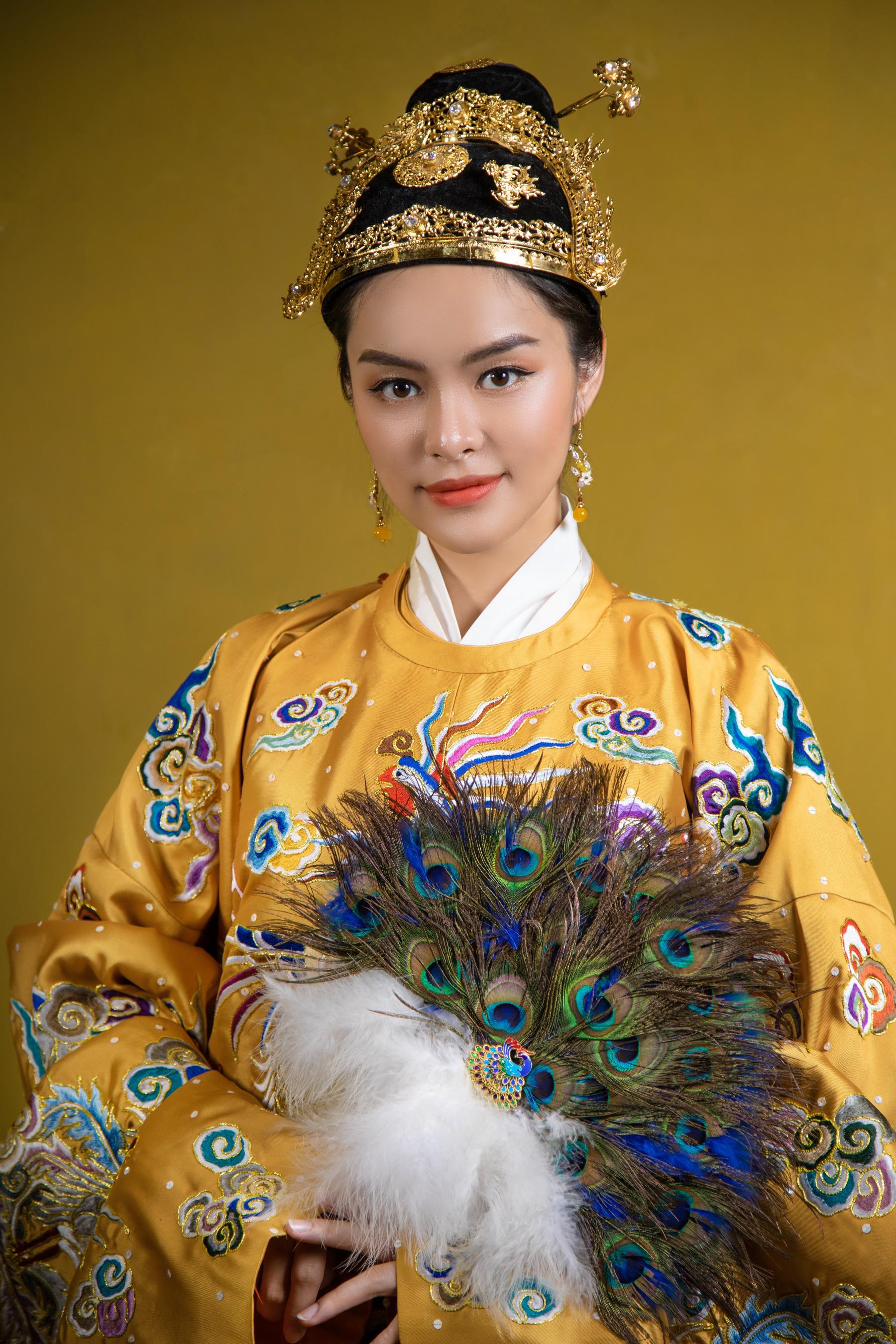 """Ấn tượng bộ ảnh """"Manayi - vàng son một thuở"""" tôn vinh hương sắc đất Việt ngàn năm - Ảnh 2."""