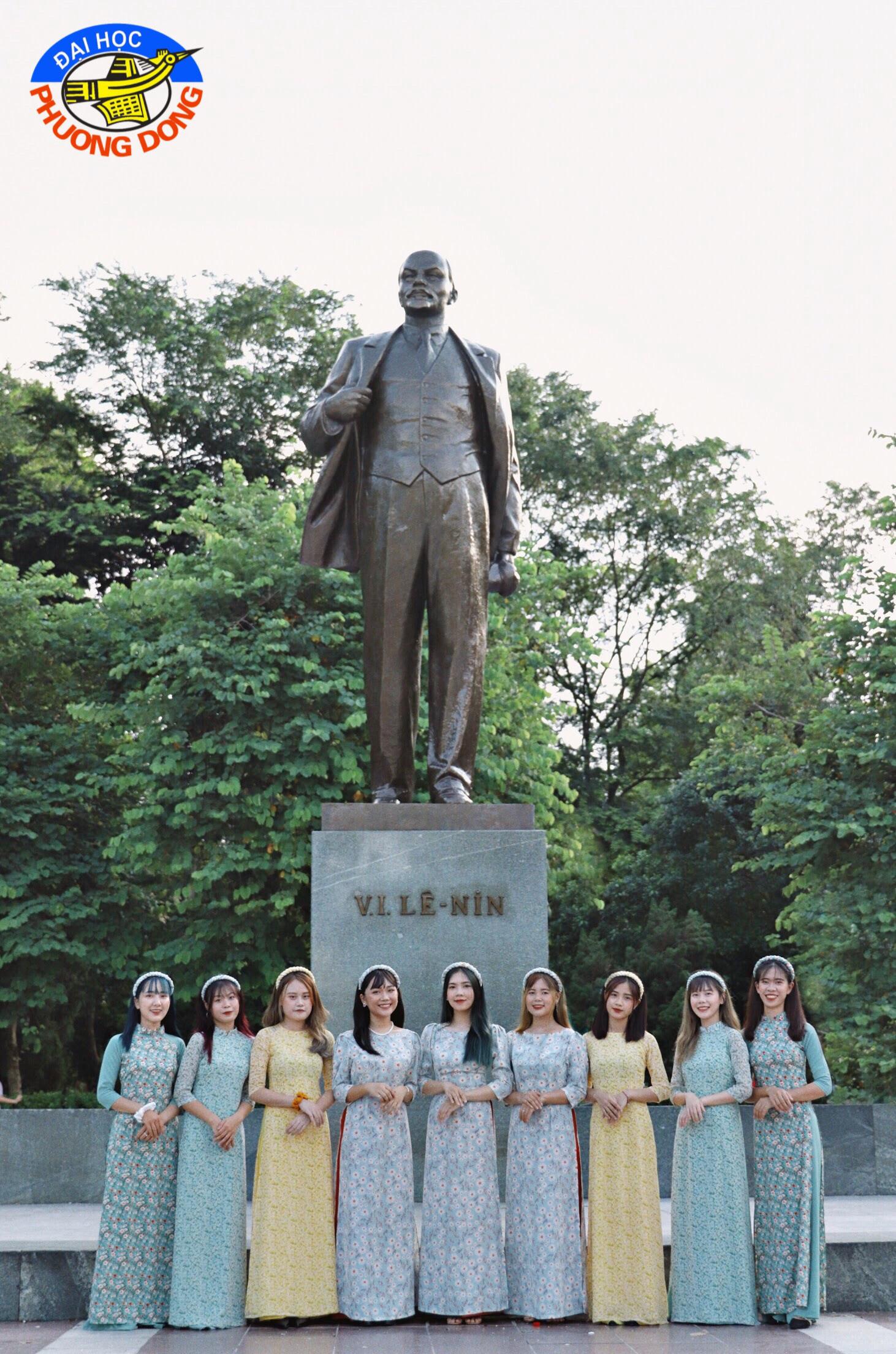 """Sinh viên Hà Nội cùng nhau """"check-in để quảng bá nét đẹp Thủ đô - Ảnh 1."""