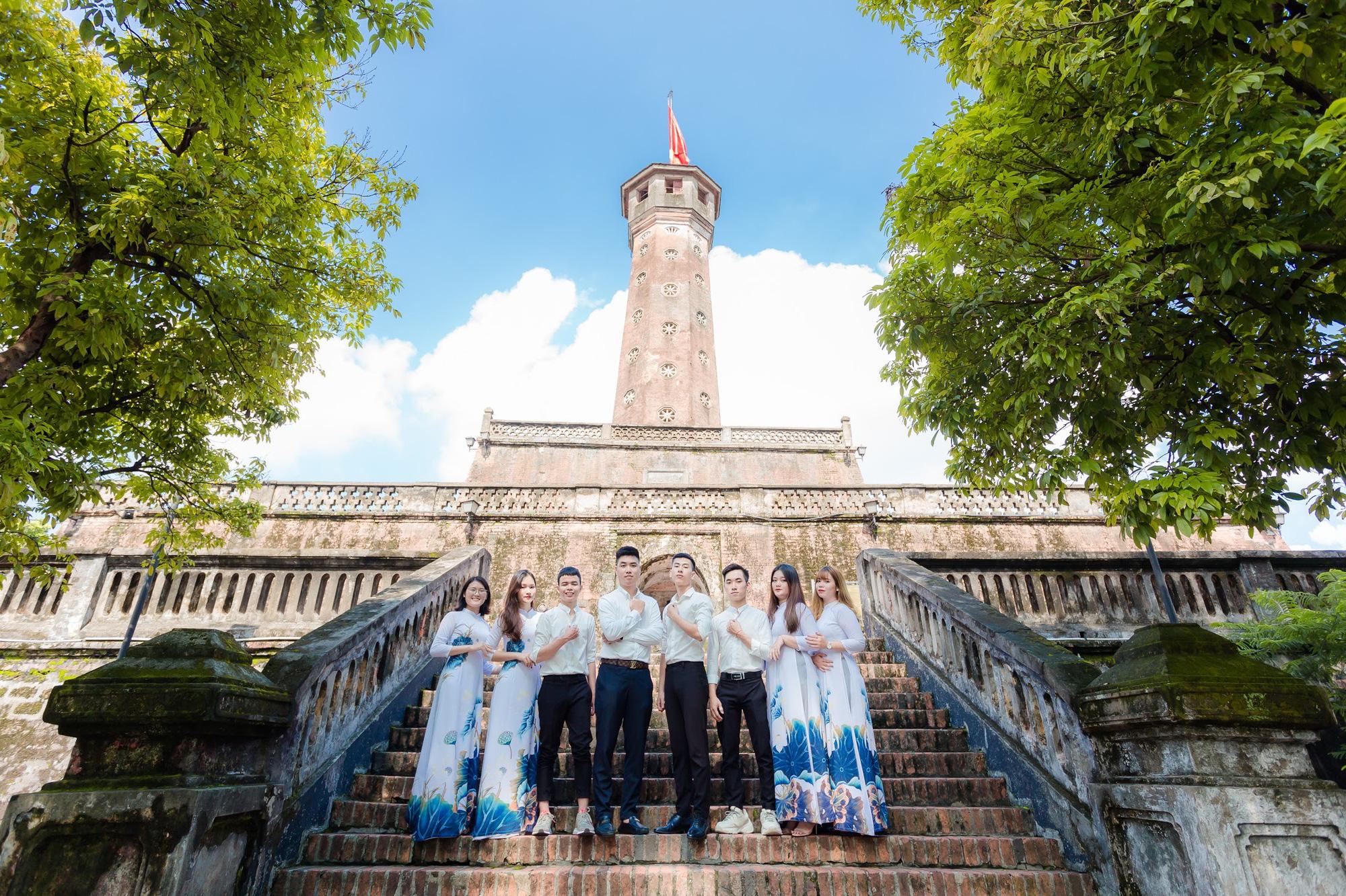 """Sinh viên Hà Nội cùng nhau """"check-in để quảng bá nét đẹp Thủ đô - Ảnh 8."""