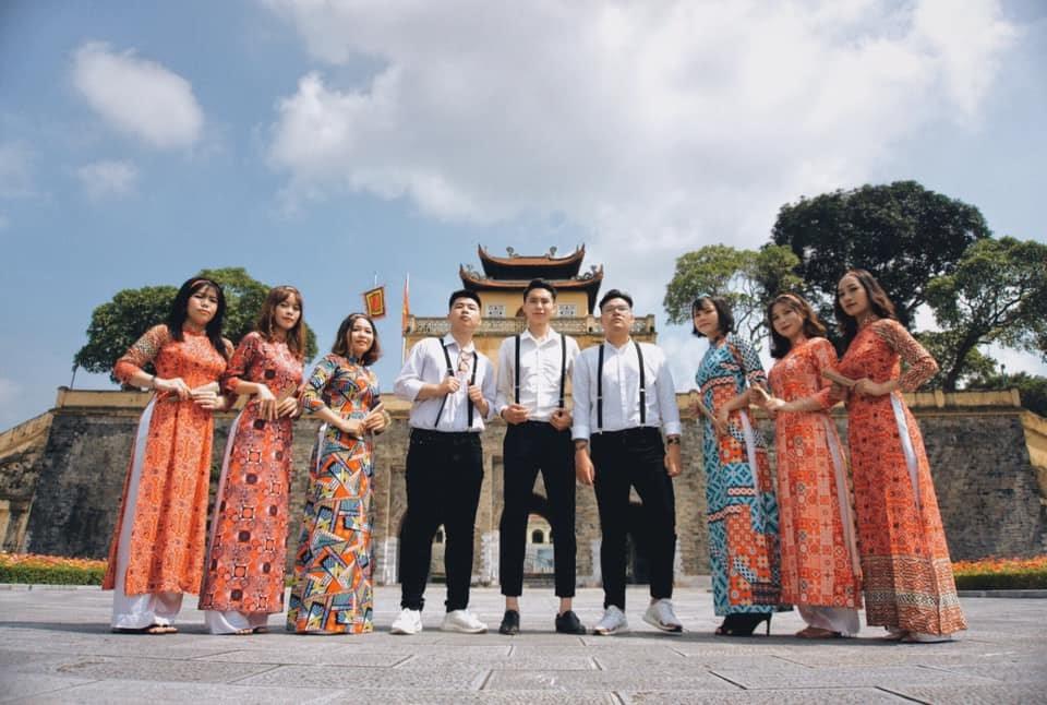 """Sinh viên Hà Nội cùng nhau """"check-in để quảng bá nét đẹp Thủ đô - Ảnh 11."""