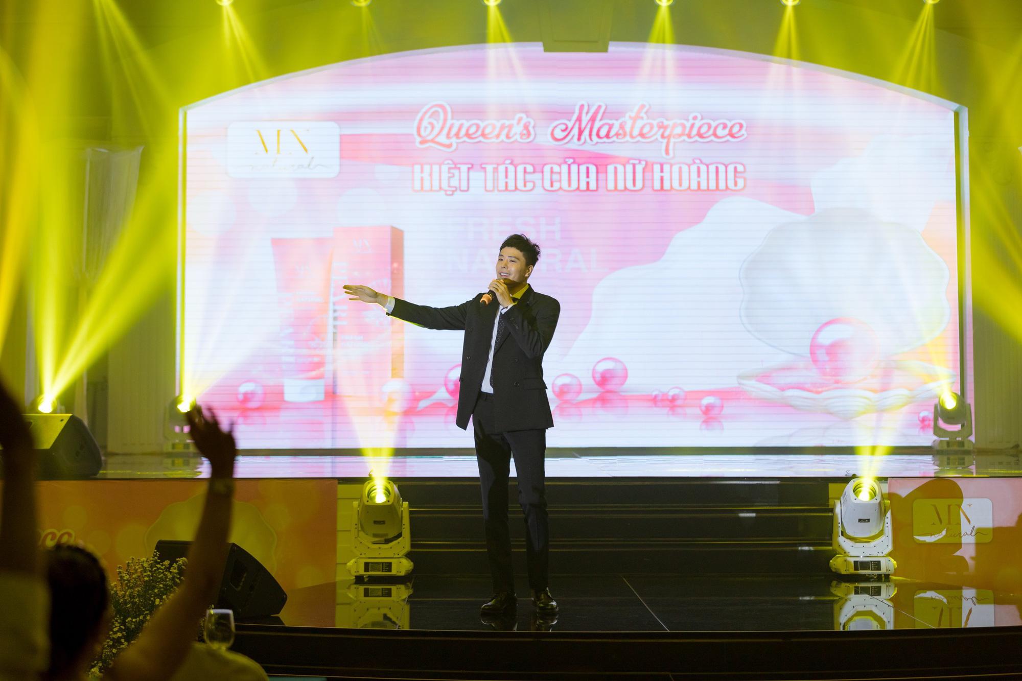 Nam ca sĩ Trịnh Thăng Bình bất ngờ xuất hiện trong đêm dạ tiệc Queens Masterpiece – Kiệt tác của Nữ Hoàng - Ảnh 3.