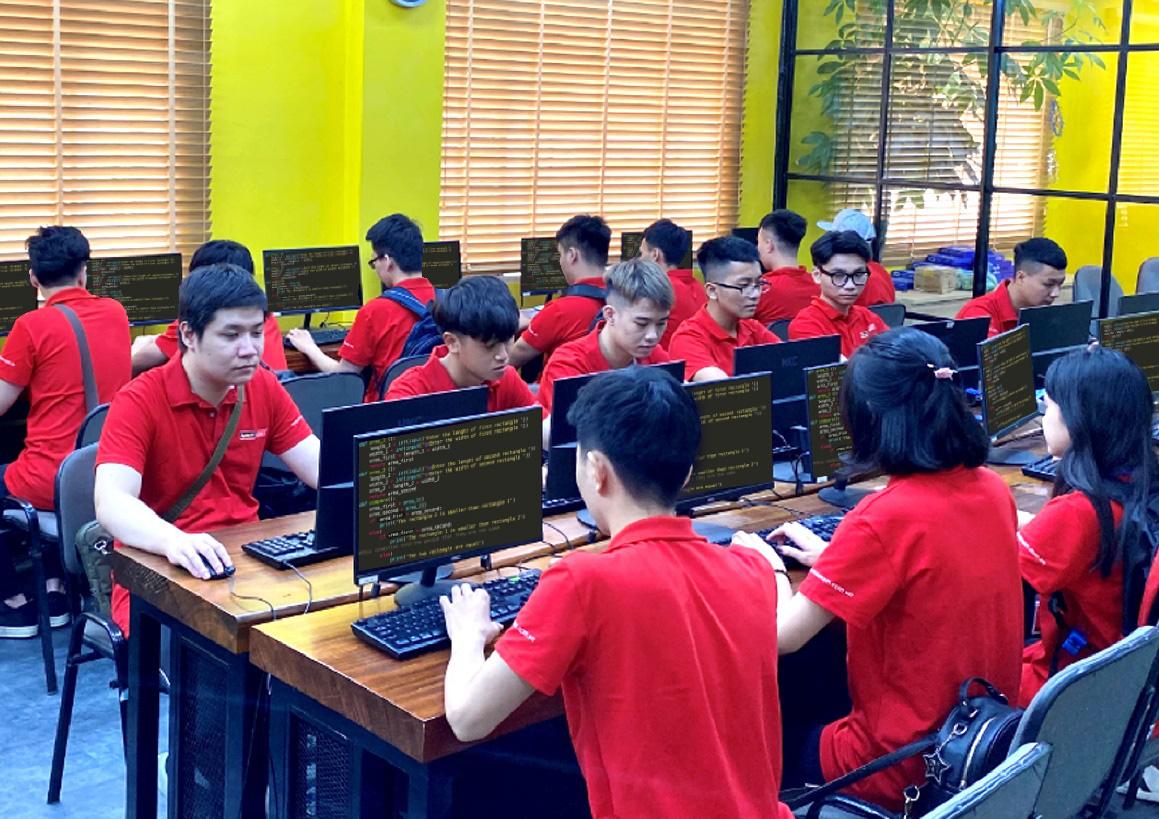 Xét tuyển ngành Lập trình viên Quốc tế - Giải tỏa nỗi lo chờ điểm chuẩn - Ảnh 2.