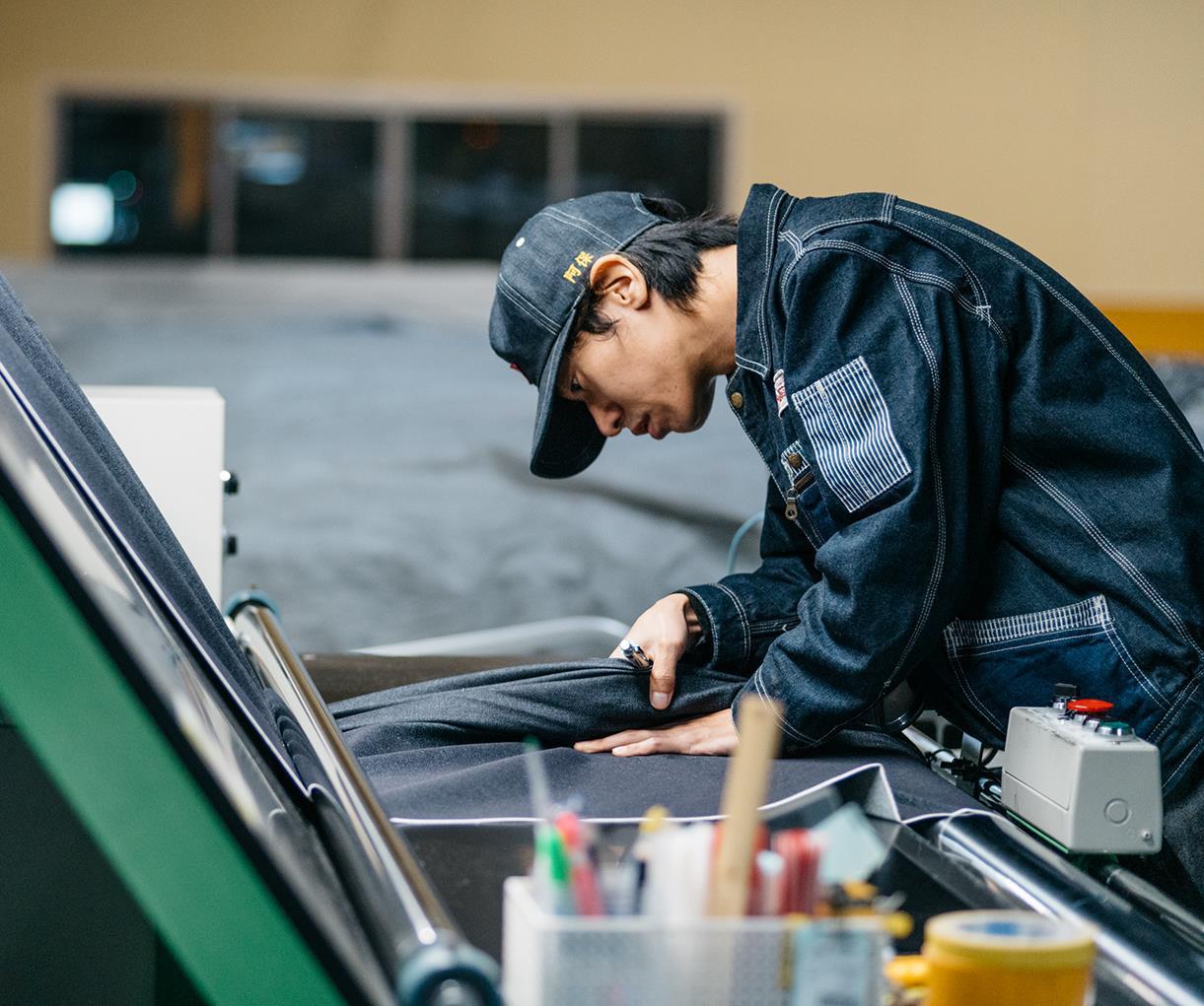 """""""Tốt gỗ, tốt cả nước sơn"""", cứ chọn UNIQLO jeans thì lên đồ giản đơn vẫn style """"ngút ngàn"""" - Ảnh 1."""