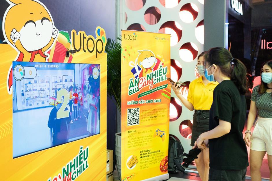 Giới trẻ Sài Gòn đổ xô đến Vạn Hạnh Mall, săn quà cùng Utop - Ảnh 1.
