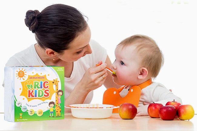 Kinh nghiệm mẹ Việt lựa chọn thực phẩm bảo vệ sức khỏe cho trẻ biếng ăn - Ảnh 1.