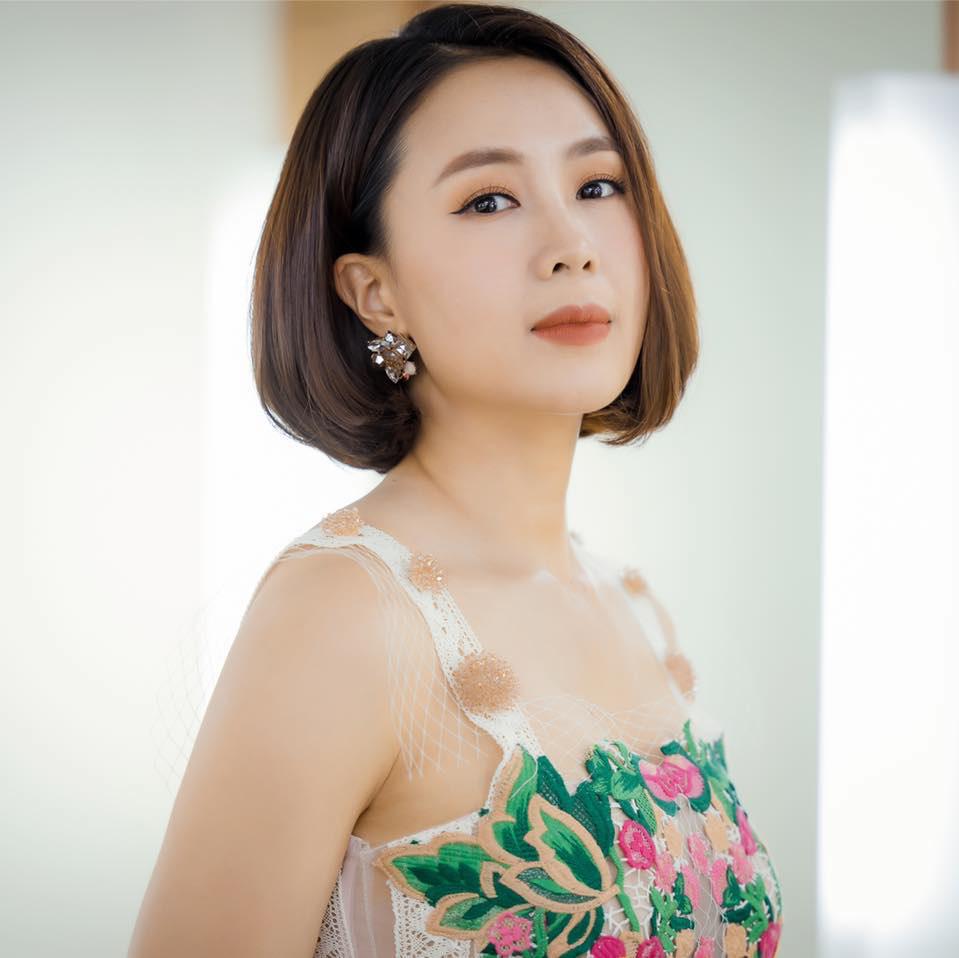 Lột xác đầy tươi trẻ trong phim mới, Hồng Diễm tiết lộ bí mật thêm tự tin và cảm hứng cho vai diễn - Ảnh 4.