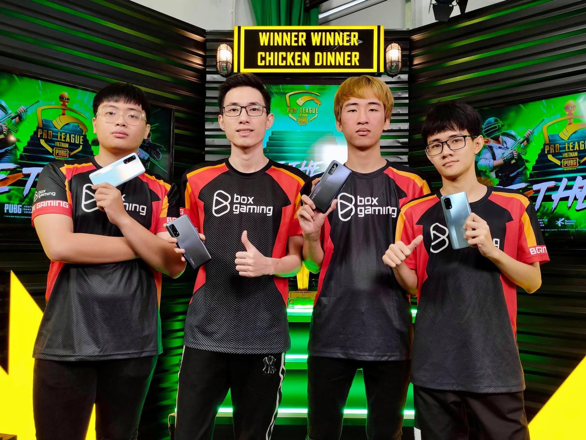 """Phỏng vấn caster Huy Lova trước giờ G Chung kết PMPL VN S2: """"Khả năng giữ được ngôi vương của BOX Gaming không cao"""" - Ảnh 3."""