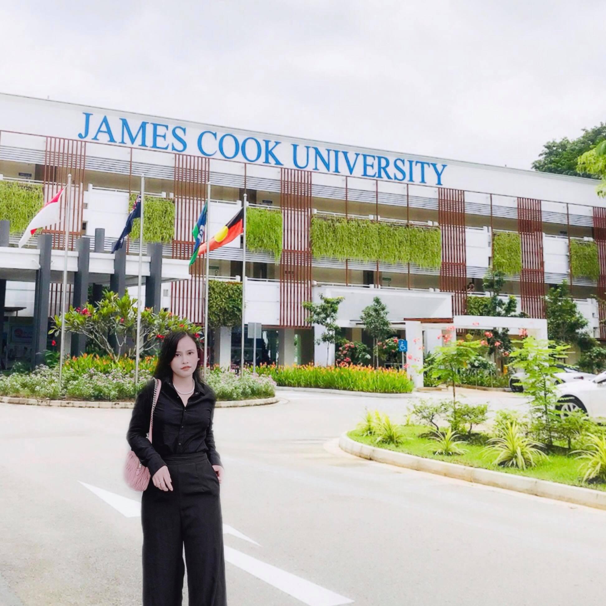 Chân dung cô bạn tài năng vừa học Thạc sĩ tại trường đại học top 2% thế giới vừa kinh doanh từ xa - Ảnh 1.