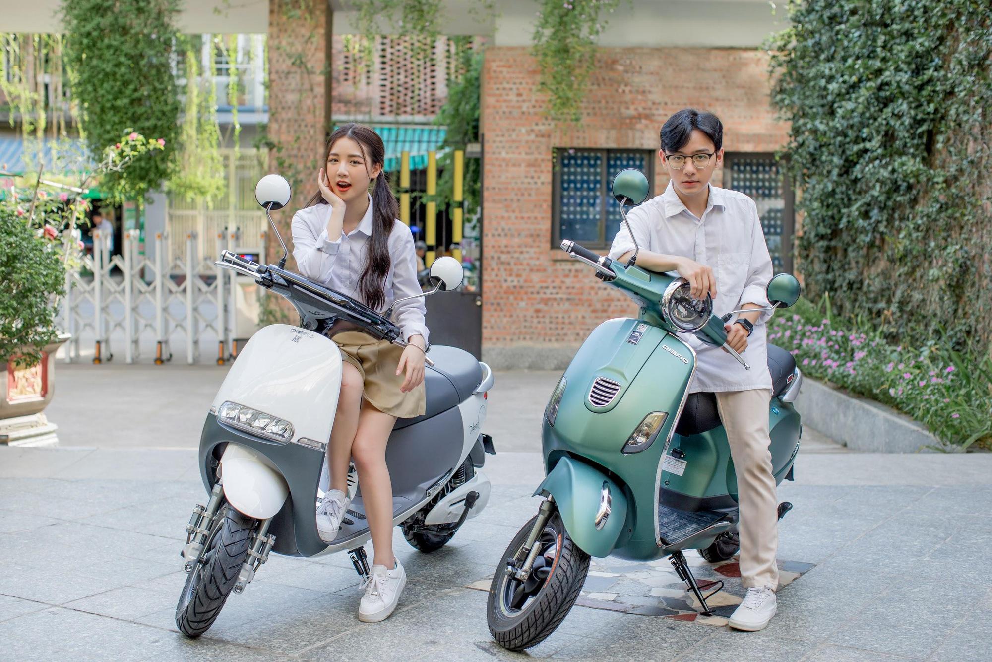 Đẳng cấp xe máy điện bền đẹp: Phụ huynh và học sinh tấm tắc khen ngợi hết lời - Ảnh 1.