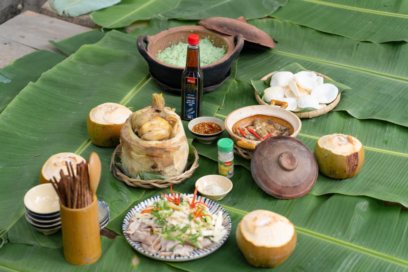 Cùng Quốc Khánh - Võ Đăng Khoa nấu đặc sản miền Tây: Cá bống kho, gà hấp củ hũ dừa, gỏi tai heo - Ảnh 5.