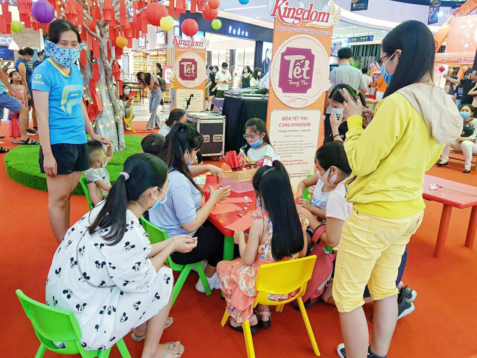 Vui Tết đoàn viên cùng Lễ hội bánh Trung thu tại Vạn Hạnh Mall - Ảnh 6.