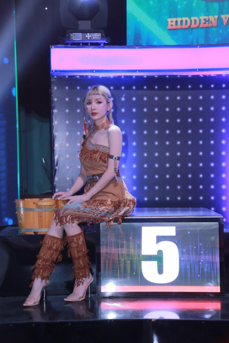 """Cô gái bán vàng vừa xuất hiện nhận ngay """"kim bài miễn tử"""" từ Giang Ca và Chi Dân - Ảnh 2."""