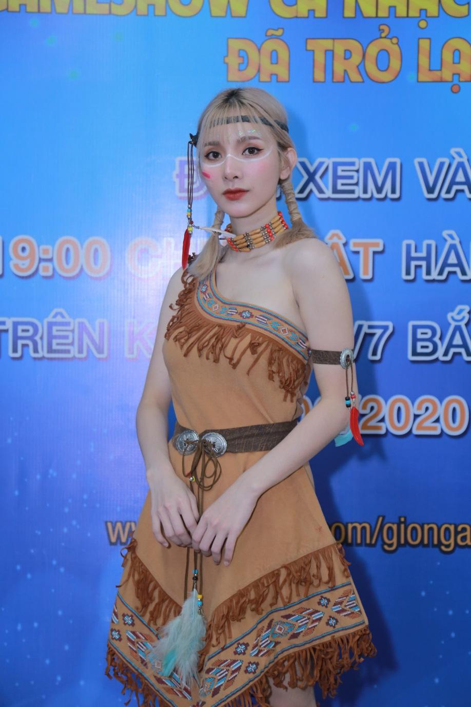 """Cô gái bán vàng vừa xuất hiện nhận ngay """"kim bài miễn tử"""" từ Giang Ca và Chi Dân - Ảnh 4."""