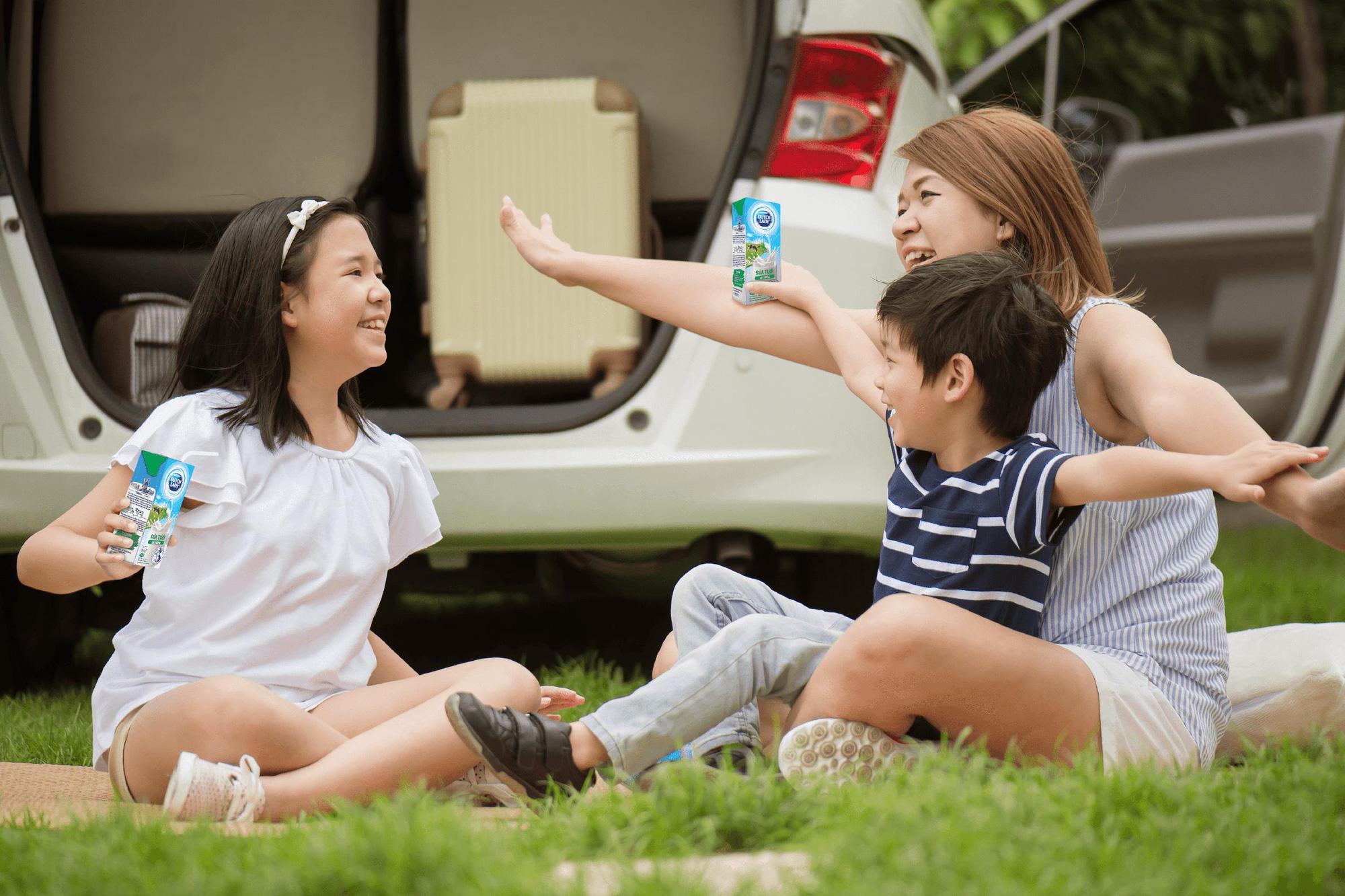 Dinh dưỡng mùa tựu trường: Hóa ra hộp sữa tươi giảm đường, giảm béo được đầu tư kỳ công đến thế! - Ảnh 1.