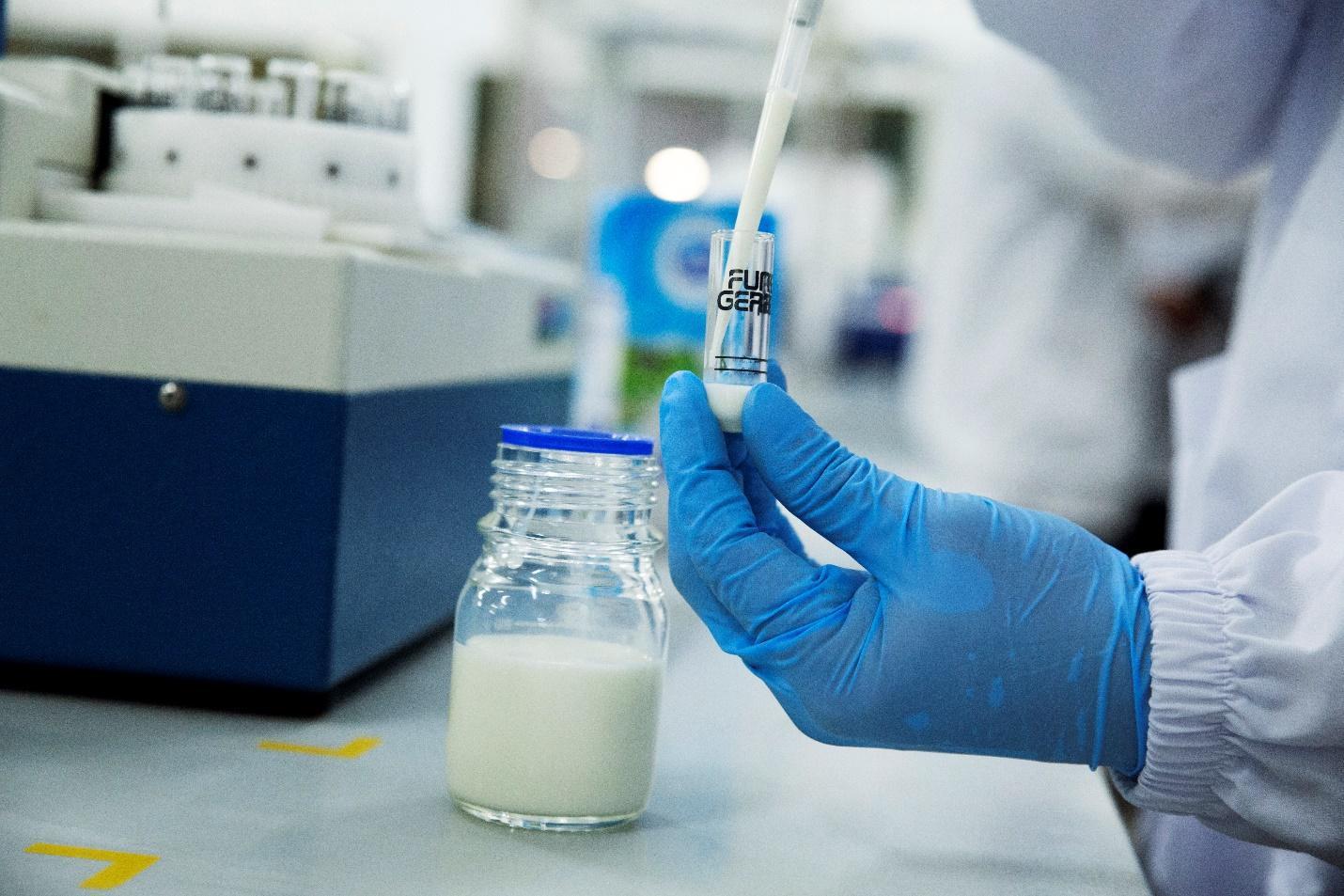 Dinh dưỡng mùa tựu trường: Hóa ra hộp sữa tươi giảm đường, giảm béo được đầu tư kỳ công đến thế! - Ảnh 4.