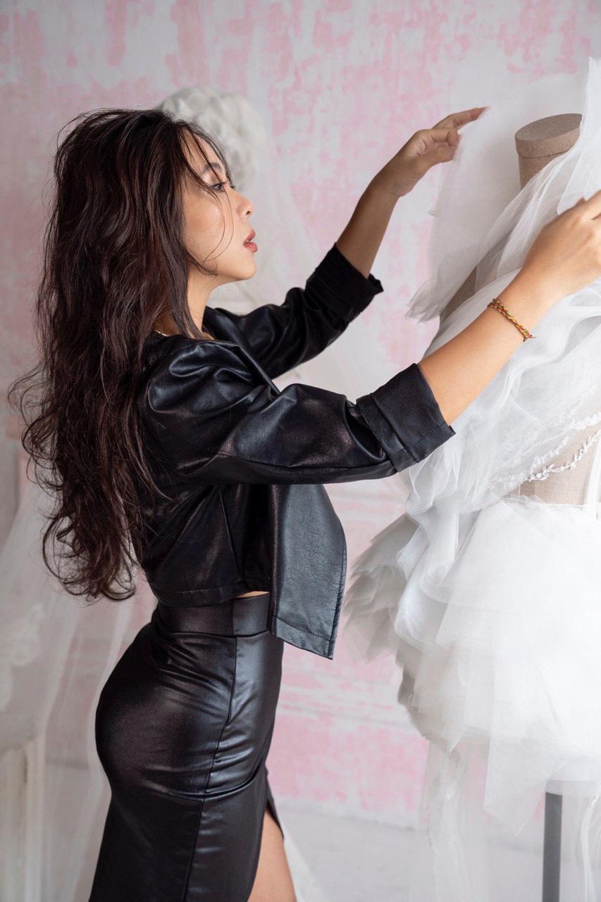 """NTK Lek Chi - Từ """"kẻ mộng mơ"""" đến chủ sở hữu thương hiệu váy cưới nổi tiếng mang tên mình - Ảnh 5."""