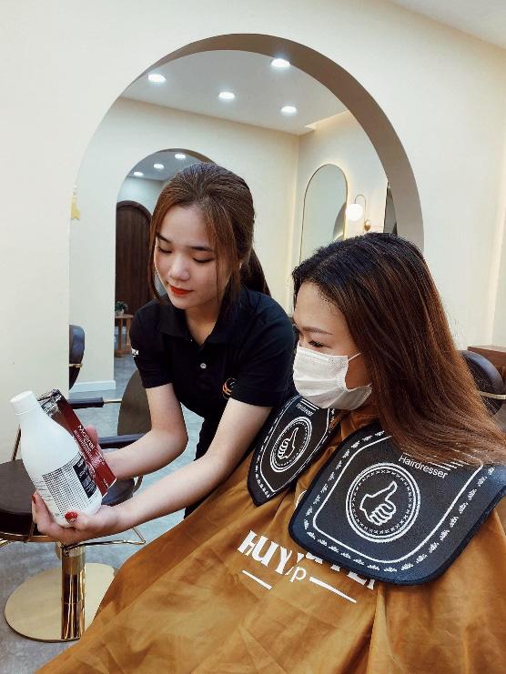 Bật mí hair salon siêu xinh tại thành phố Hồ Chí Minh - Ảnh 6.